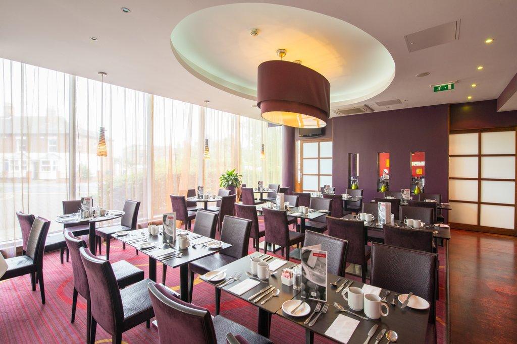 Holiday Inn Norwich City-Spacious Full Service Restaurant<br/>Image from Leonardo