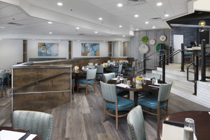 Holiday Inn Johnson City-Reflections Restaurant and Lounge<br/>Image from Leonardo