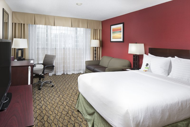Holiday Inn Johnson City-Indulge yourself in our warm, welcoming guest rooms.<br/>Image from Leonardo