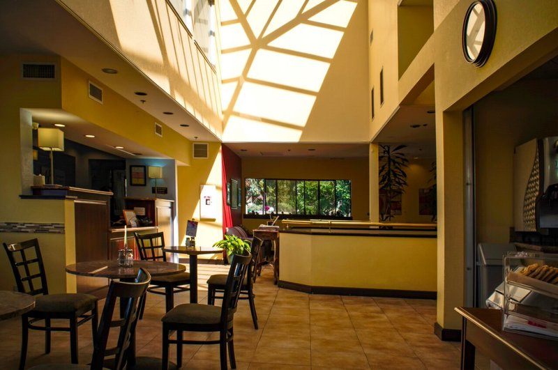 Holiday Inn Express grover Beach-Pismo Beach Area-Hotel Lobby<br/>Image from Leonardo