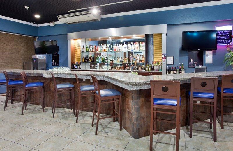 Holiday Inn Resort Grand Cayman-Blue Iguana bar at the Holiday Inn<br/>Image from Leonardo