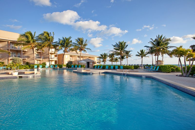 Holiday Inn Resort Grand Cayman-Swimming Pool at the Holiday Inn Resort Grand Cayman<br/>Image from Leonardo