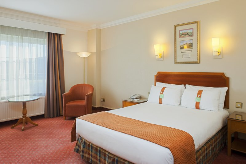 Holiday Inn Corby - Kettering A43-Double Bed Guest Room<br/>Image from Leonardo