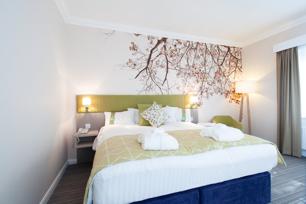 Holiday Inn Corby - Kettering A43-Executive Room<br/>Image from Leonardo
