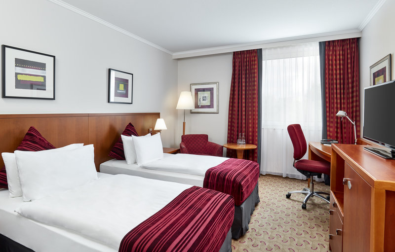 Crowne Plaza Hamburg - City Alst-Twin room at Crowne Plaza with comfy beds and inclusive Wi-Fi.<br/>Image from Leonardo