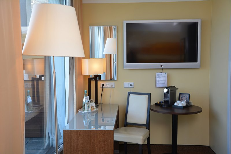 Holiday Inn Salzburg City-Blockbusters, your favorite TV series and kids' TV with SKY-TV.<br/>Image from Leonardo