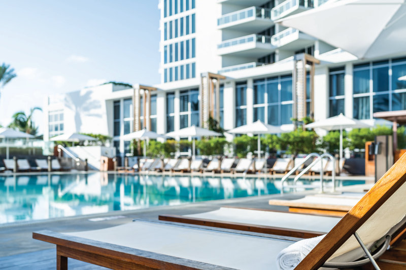 Eden Roc Miami Beach-Main Pool<br/>Image from Leonardo