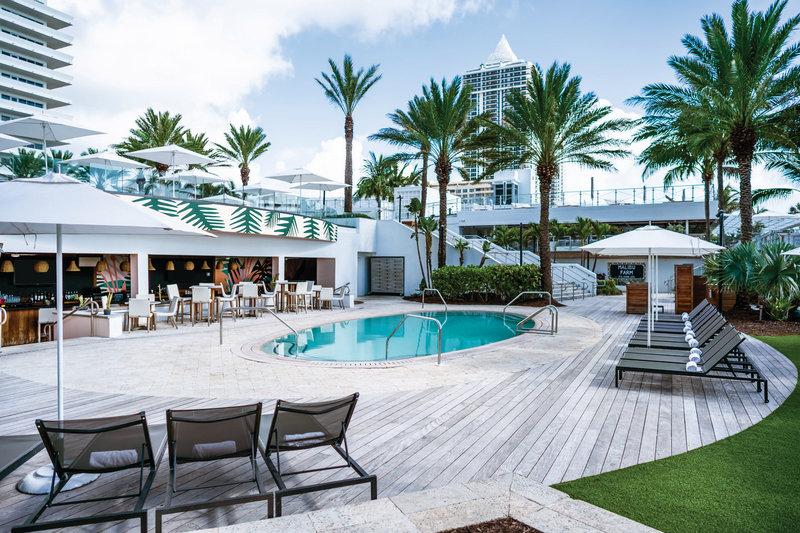 Eden Roc Miami Beach-Playabar And Pool At Playabar<br/>Image from Leonardo