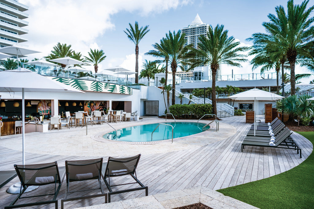 Eden Roc Miami Beach - Playabar And Pool At Playabar <br/>Image from Leonardo