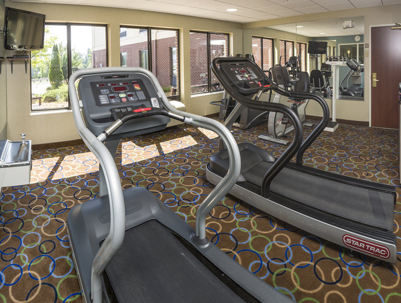 Holiday Inn Express & Suites Manchester Airport-Fitness Center<br/>Image from Leonardo
