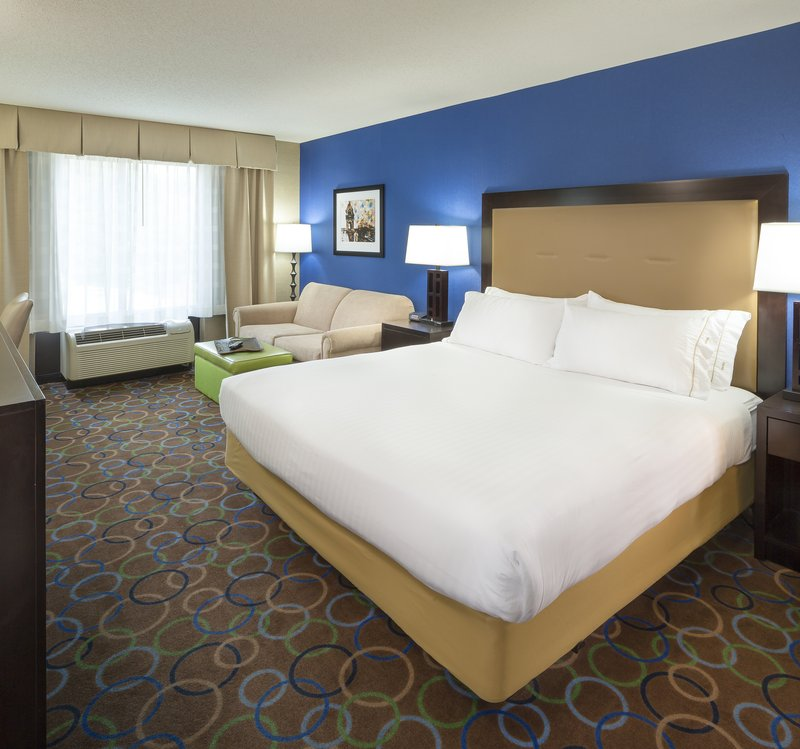 Holiday Inn Express & Suites Manchester Airport-Superior Room<br/>Image from Leonardo