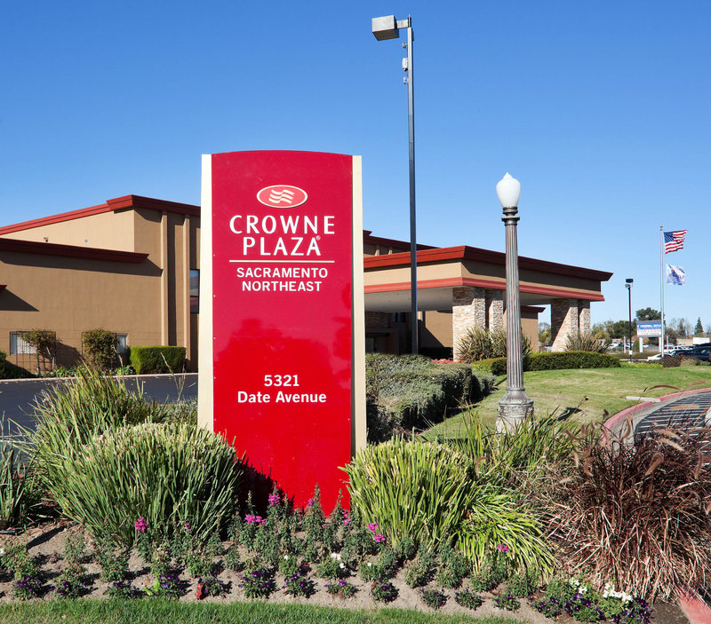 Crowne Plaza Sacramento Northeast-Front Entrance of the Crowne Plaza Sacramento Hotel<br/>Image from Leonardo