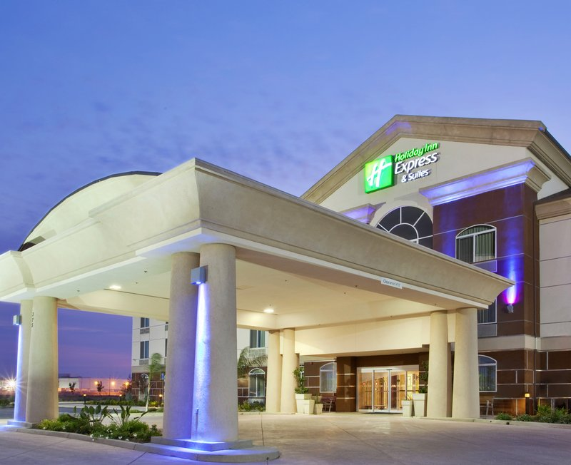Holiday Inn Express & Suites Dinuba West-Holiday Inn Express & Suites Dinuba West Exterior<br/>Image from Leonardo