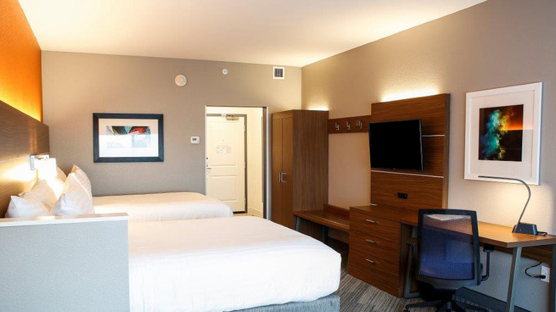Holiday Inn Express & Suites Louisville Downtown-Guest Room<br/>Image from Leonardo