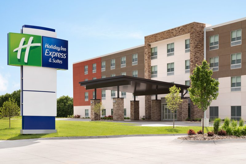 Holiday Inn Express And Suites Savannah N Port Wentworth-Hotel Exterior<br/>Image from Leonardo