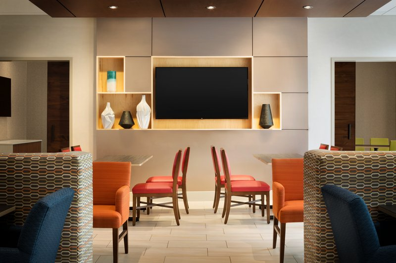 Holiday Inn Express And Suites Savannah N Port Wentworth-Breakfast Area<br/>Image from Leonardo