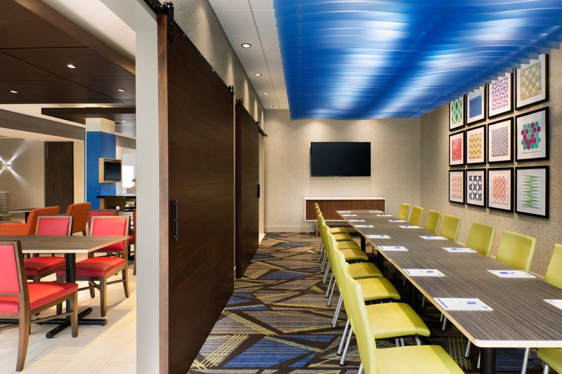 Holiday Inn Express And Suites Savannah N Port Wentworth-Boardroom<br/>Image from Leonardo
