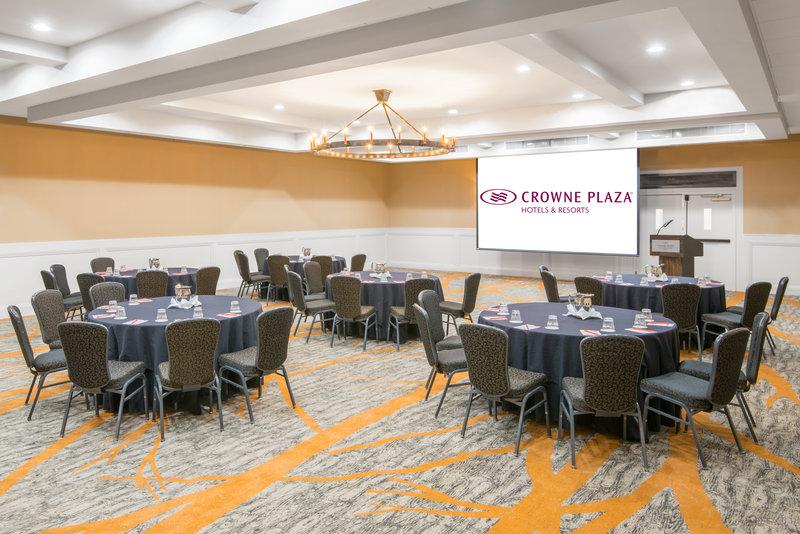 Crowne Plaza Resort Asheville-Pilot Room<br/>Image from Leonardo