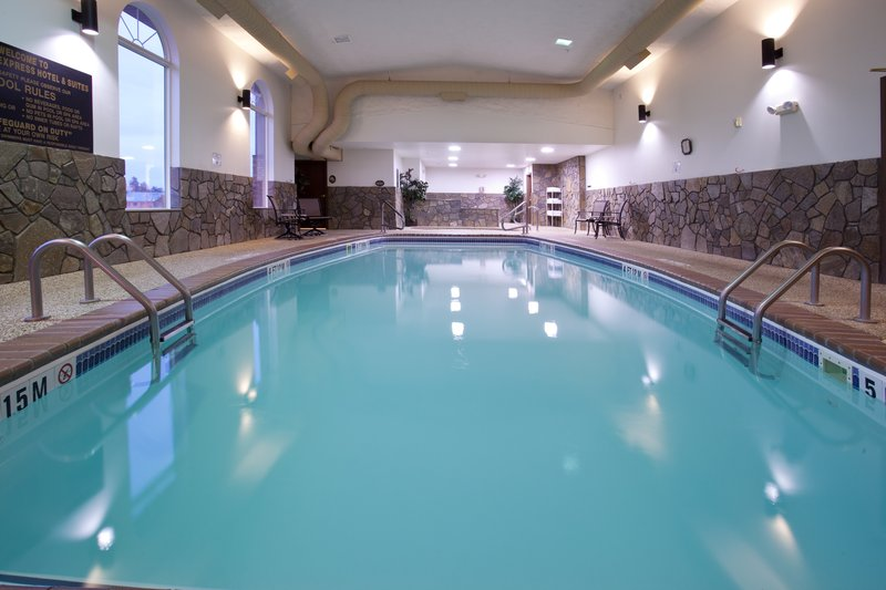 Holiday Inn Express & Suites Hill City Mt. Rushmore Area-Swimming Pool - Holiday Inn Express Hill City<br/>Image from Leonardo