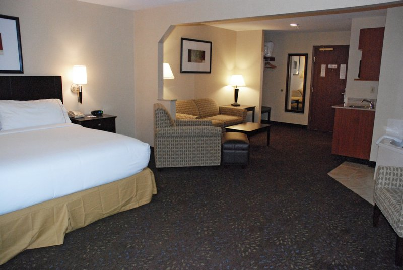 Holiday Inn Express & Suites Hill City Mt. Rushmore Area-King Whirlpool Suite with Queen Size Sofa Sleeper<br/>Image from Leonardo