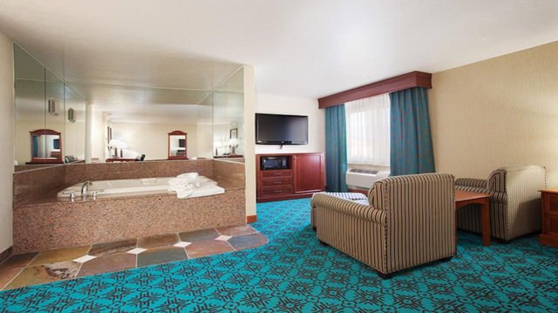 Holiday Inn Express Mesa Verde-Cortez-Mesa Verde Hot Tub Suite!<br/>Image from Leonardo