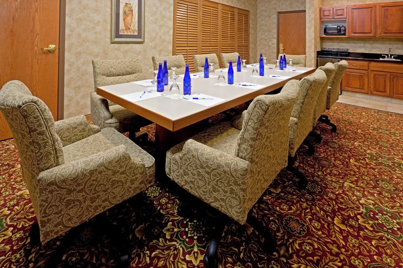 Holiday Inn Express Syracuse-Fairgrounds-Boardroom<br/>Image from Leonardo