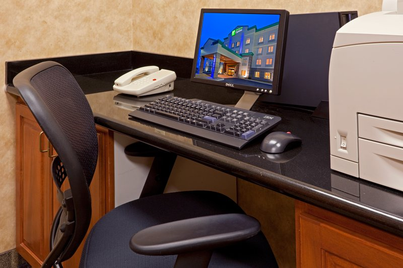 Holiday Inn Express Syracuse-Fairgrounds-Two computers and printers for your use!<br/>Image from Leonardo