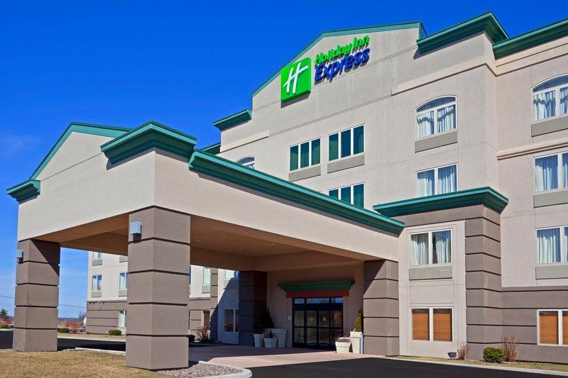 Holiday Inn Express Syracuse-Fairgrounds-Welcome to the Holiday Inn Express Syracuse Fairgrounds!<br/>Image from Leonardo
