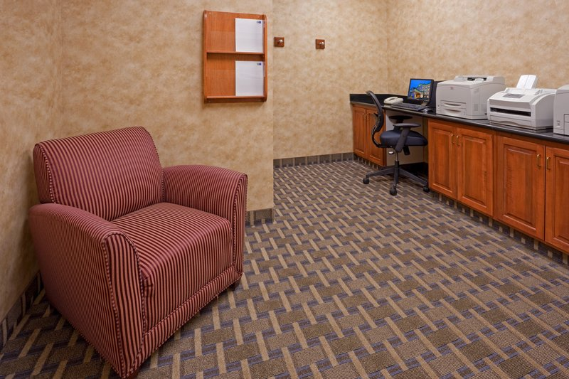 Holiday Inn Express Syracuse-Fairgrounds-Business Center Open 24 Hours<br/>Image from Leonardo