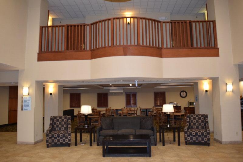 Holiday Inn Express Syracuse-Fairgrounds-Hotel Lobby<br/>Image from Leonardo
