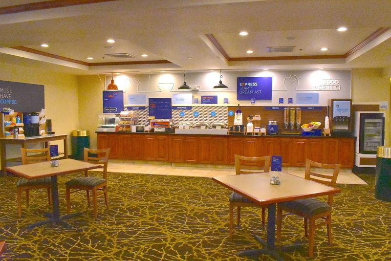 Holiday Inn Express Syracuse-Fairgrounds-New Full Breakfast Holiday Inn Express Van Buren<br/>Image from Leonardo