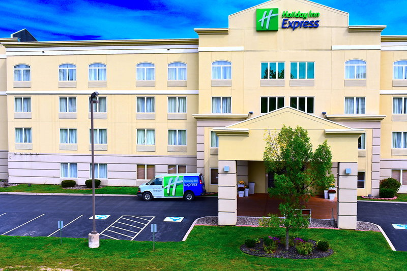 Holiday Inn Express Syracuse-Fairgrounds-Holiday In Express minutes from Lake View Amphitheatre<br/>Image from Leonardo