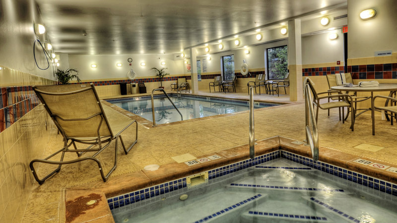 Holiday Inn Express & Suites Sioux City - Southern Hills-Swimming Pool in the Holiday Inn Express & Suites Sioux City<br/>Image from Leonardo
