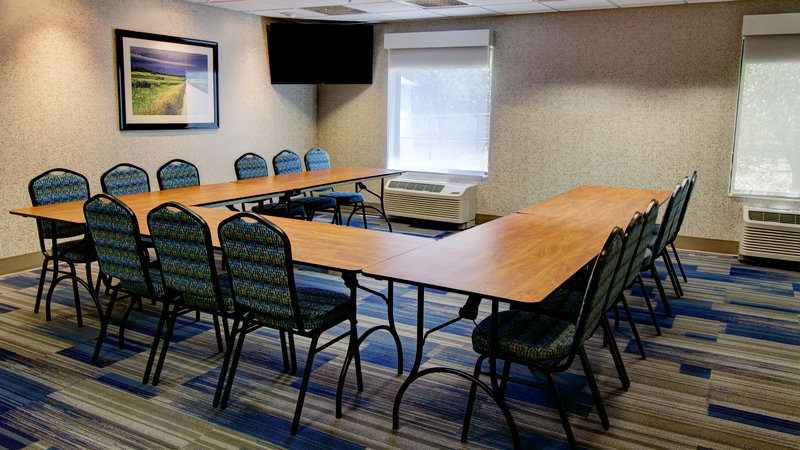 Holiday Inn Express & Suites Sioux City - Southern Hills-Our meeting room can hold up to 25 people. <br/>Image from Leonardo