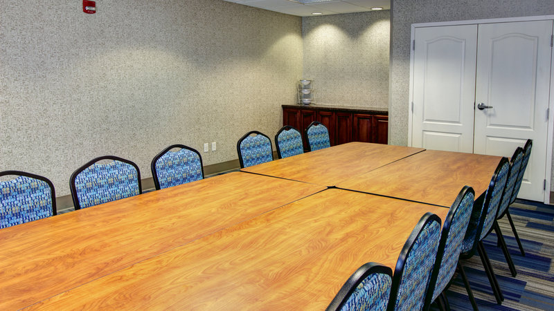 Holiday Inn Express & Suites Sioux City - Southern Hills-We have a variety of meeting room styles to fit your needs<br/>Image from Leonardo