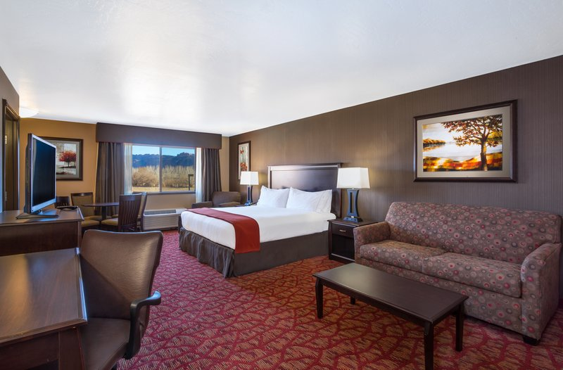 Holiday Inn Express & Suites Moab-King Executive Suite<br/>Image from Leonardo