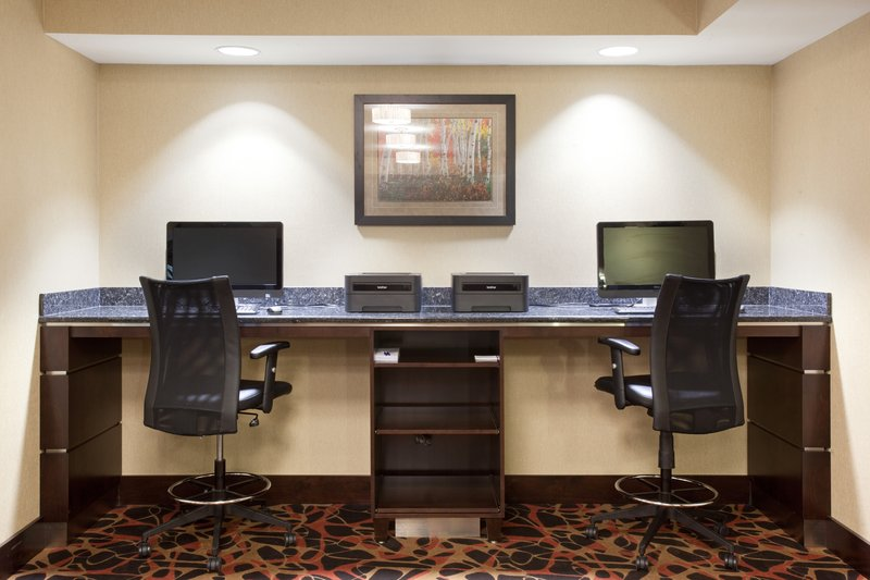 Holiday Inn Express & Suites Moab-Two station business center available<br/>Image from Leonardo