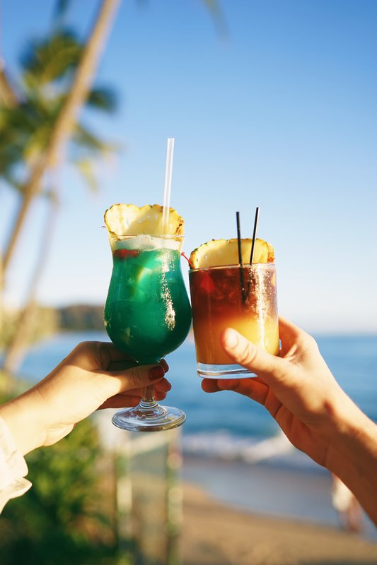 Outrigger Reef Waikiki Beach Resort - The Reef Bar Market Grill <br/>Image from Leonardo