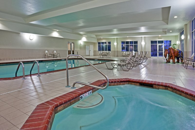 Holiday Inn Ft. Wayne-IPFW & Coliseum-Swimming Pool<br/>Image from Leonardo