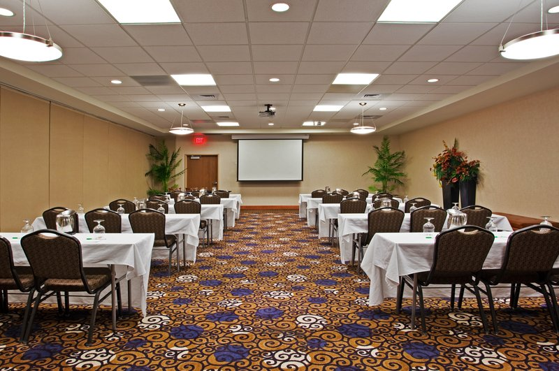 Holiday Inn Ft. Wayne-IPFW & Coliseum-Meeting Room-Classroom<br/>Image from Leonardo