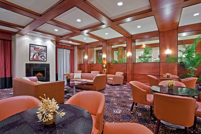 Holiday Inn Ft. Wayne-IPFW & Coliseum-Lobby<br/>Image from Leonardo
