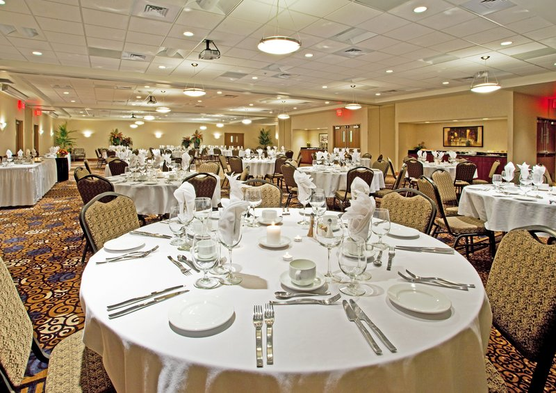Holiday Inn Ft. Wayne-IPFW & Coliseum-Banquet Room<br/>Image from Leonardo