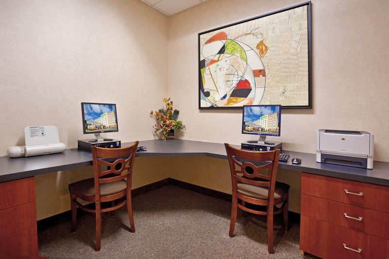 Holiday Inn Ft. Wayne-IPFW & Coliseum-Business Center<br/>Image from Leonardo