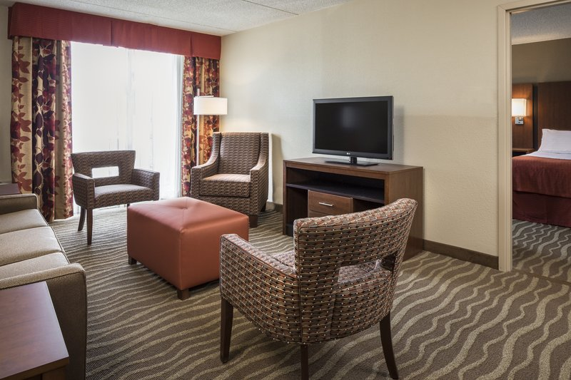 Holiday Inn Hotel & Suites Des Moines-Northwest-Double Queen Bed Family Suite<br/>Image from Leonardo