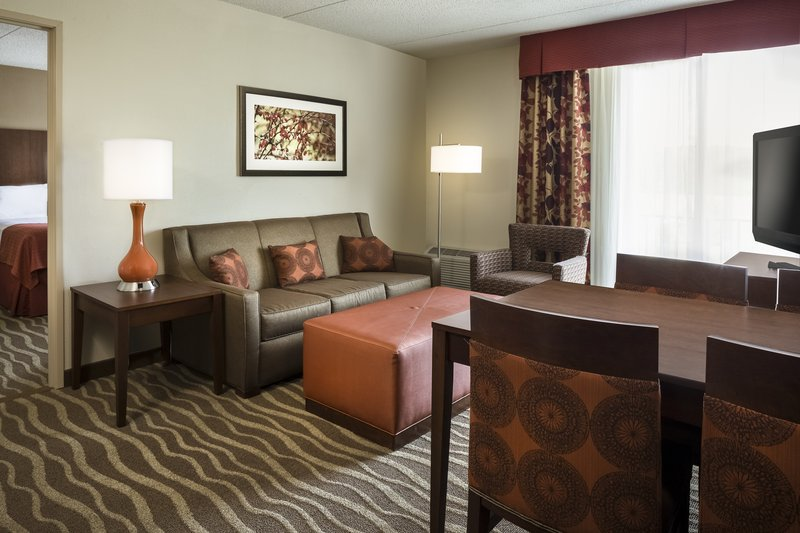 Holiday Inn Hotel & Suites Des Moines-Northwest-Guest Room Suite<br/>Image from Leonardo