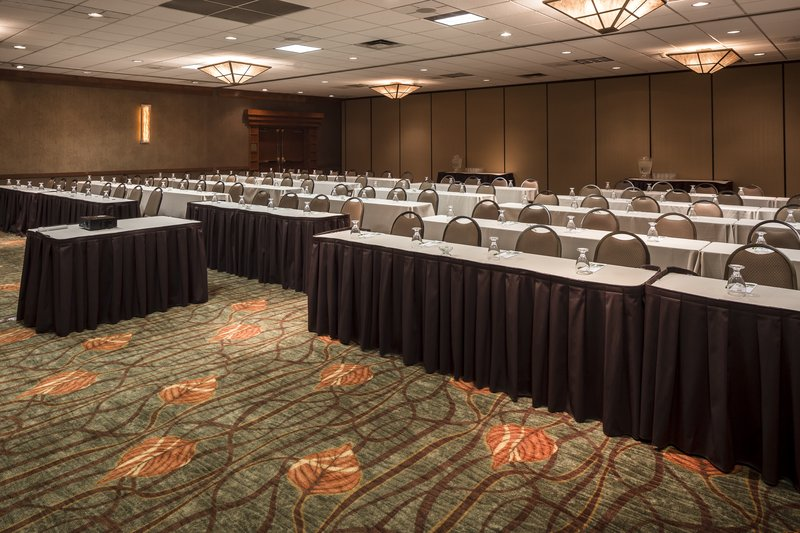 Holiday Inn Hotel & Suites Des Moines-Northwest-Heartland Ballroom - Classroom<br/>Image from Leonardo