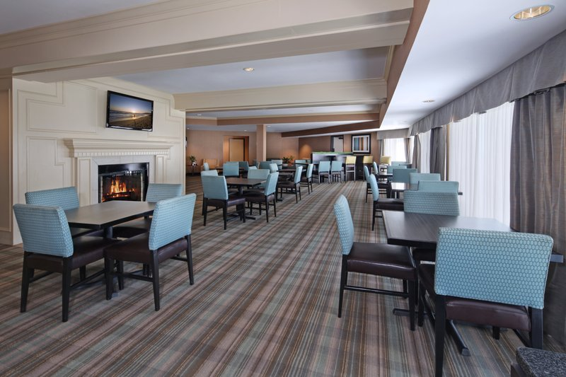 Holiday Inn Express Port Hueneme-Great Room<br/>Image from Leonardo