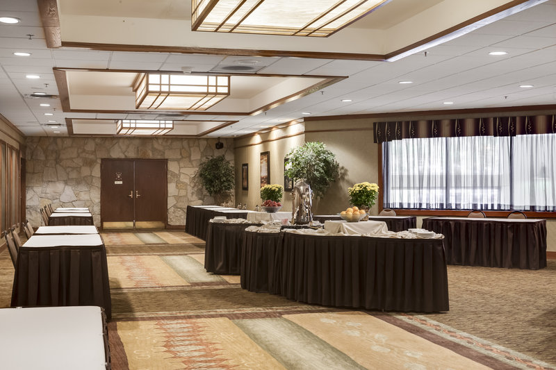 Holiday Inn Hotel & Suites Des Moines-Northwest-Pre-function Area<br/>Image from Leonardo