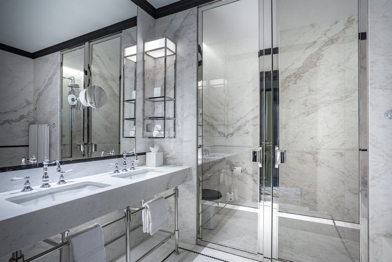 Maison Albar Le Monumental Palace-Bathroom Superior Room<br/>Image from Leonardo