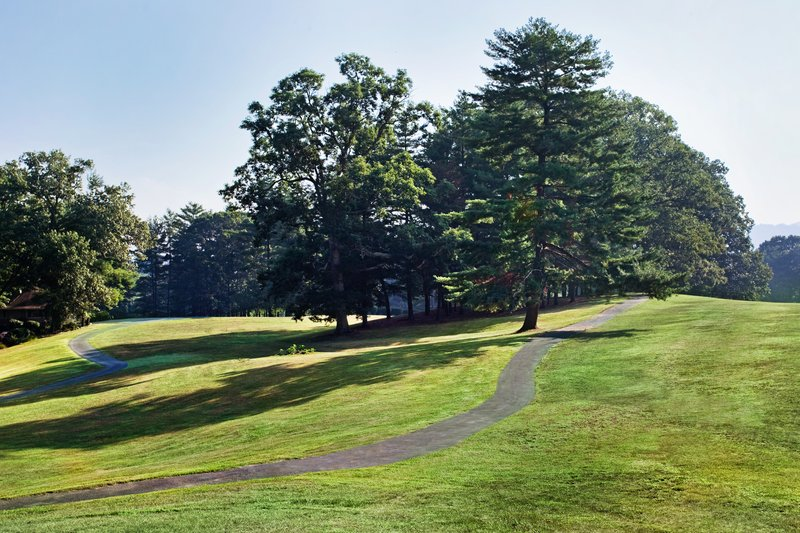 Crowne Plaza Resort Asheville-Take a relaxing stroll along the Crowne Plaza walking trail<br/>Image from Leonardo